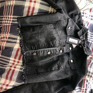Black cropped jean jacket never worn